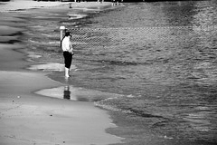 the time has come (azfar ahmad | thepatahtumbuh) Tags: sea man net beach coast manly sydney australia bnw 550d