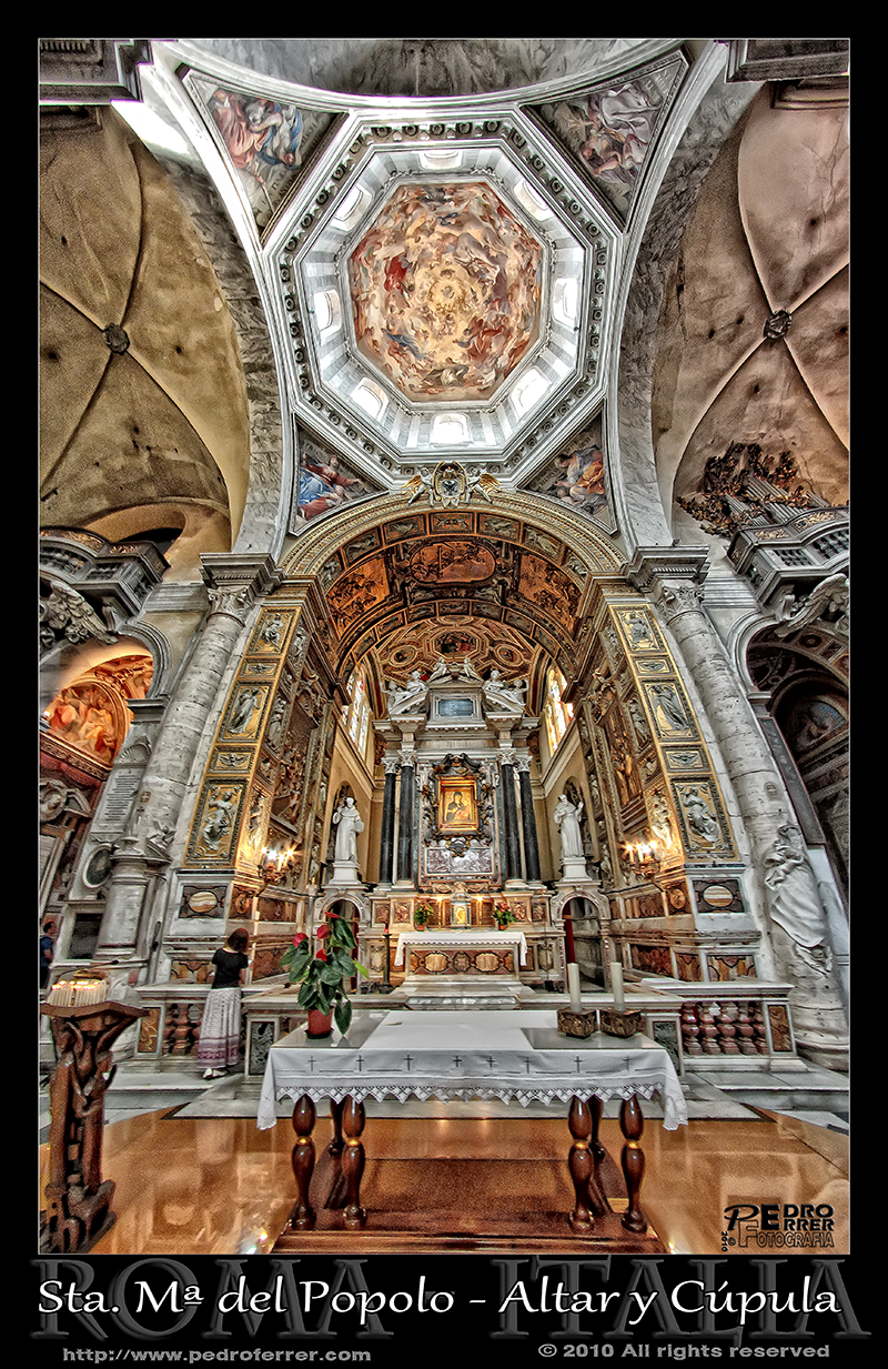 Roma - Basilica de Santa Maria del Popolo - Altar y cúpula.