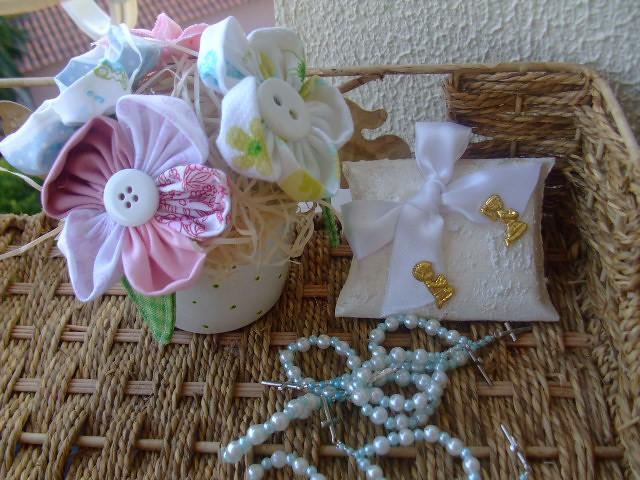 Vaso de flores de fuxico ,e lembrana para 1 comunho (Irene Sarranheira ...