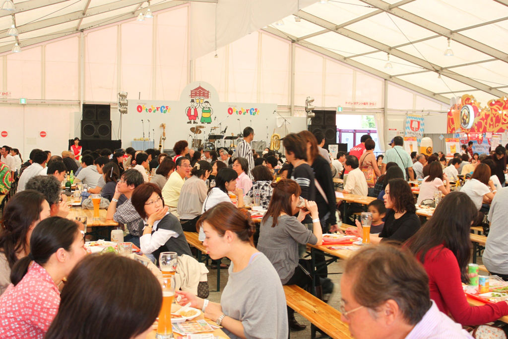 Yokohama Red Brick Warehouse October Fest 2010 (6)