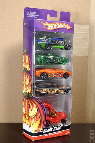 Mattel Hot Wheels - 2010 Scary Cars 5-pack (Target excl., 9/10)