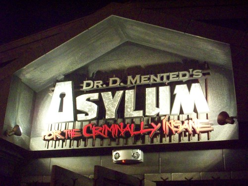 Cedar Point - Dr. D. Mented's Asylum for the Criminally Insane
