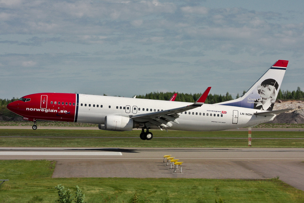 Norwegian Air Shuttle - LN-NOM - Boeing 737-86N