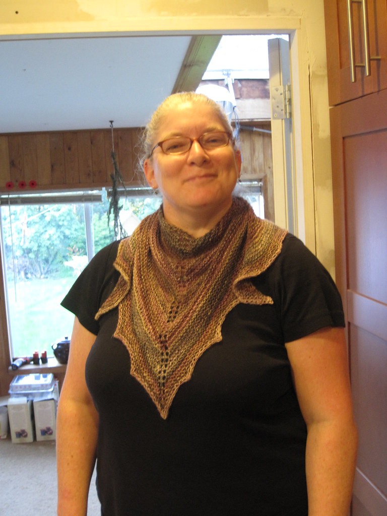 Unvented shawlette - Spunky Eclectic Handspun - Mahogany
