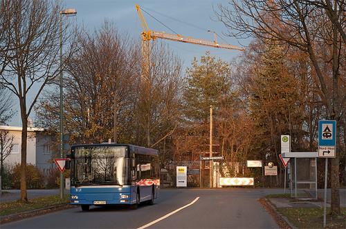 Hierher verirrt sich die Linie 175 normalerweise nicht: M-NV 1029 in der Schroppenwiesenstraße auf dem Weg zum OEZ
