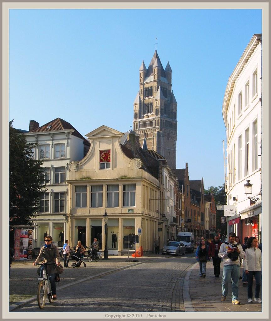 Bruges : St Salvator cathedral - Sint-Salvatorskerkhof  1/4