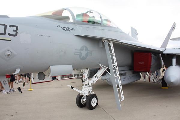 EAA10_EA-18G_04