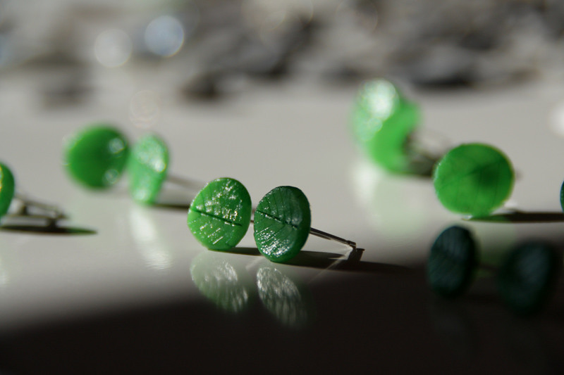 Polishing leaf ear studs