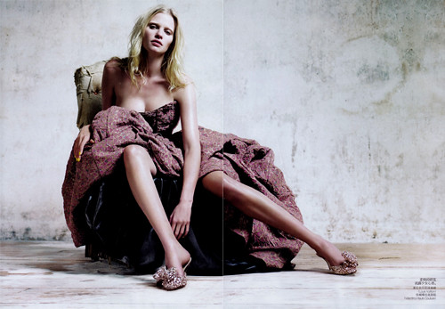 04 Lara Stone Vogue China