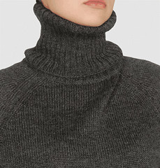 High Grey Turtleneck (sophie s) Tags: huge turtleneck oversized poloneck cowlneck golaalta     oversizedturtleneck hugerollneck hugturtlneck highturtlenecktight    hugepoloneck verylongturtleneck extralongturtleneck turtleneckfetish poloneckfetish tightcollarsweater