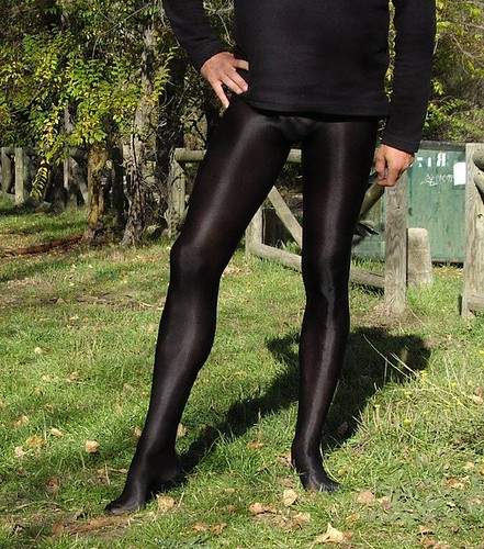 Would men wearing pantyhose tights wish
