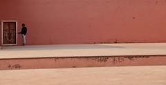 (His) Selfie in Pink (Alex L'aventurier,) Tags: jaipur india rajasthan pinkcity mur wall villerose door porte selfie stick minimalisme minimal person candid man homme