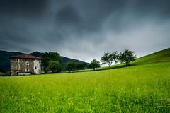 Black clouds (PiTiS ¬~) Tags: clouds nubes longexpo longexposure cielo sky zerua green grass landscape farm movement movimiento bizkaia basquecountry euskadi euskalherria
