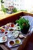 balkonda günaydın:) (nilgun erzik) Tags: balkon istanbul sabah kahvaltı evimizde fotografkıraathanesi fotografca biyerlerde haziran2010 maydanozbahcesi