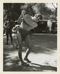 7000-2090a (AliceJapan ʕ •ᴥ•ʔ) Tags: 1936 johnny mgm weissmuller johnnyweissmuller tarzanescapes