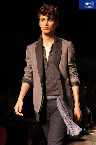 Charlie France3281_SS11_Milan_John Varvatos(AFP BB News)