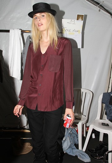 Andrej Pejic3043_SS11_Paris_Paul Smith BS(WWDcom)