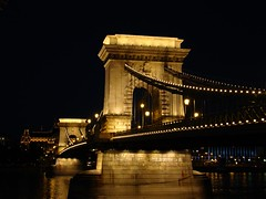Chain bridge, Budapest (<ZOLEE/>) Tags: bridge light architecture night amazing downtown hungary bend budapest chain sight duna 2009 danube szchenyi ilovemypic hungariansoutsidehungary