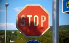 Stop! (krys1969) Tags: summer sun sunshine canon eos lampe sommer himmel wolken schild tape stop mast sonne verkehrsschild stopschild strassenschild pfahl klebeband 50d achteck badems canoneos50d strasenschild strasenlampe
