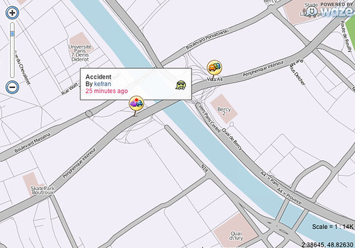 Waze realtime map car accident Paris