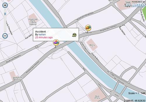 Waze realtime map car accident Paris