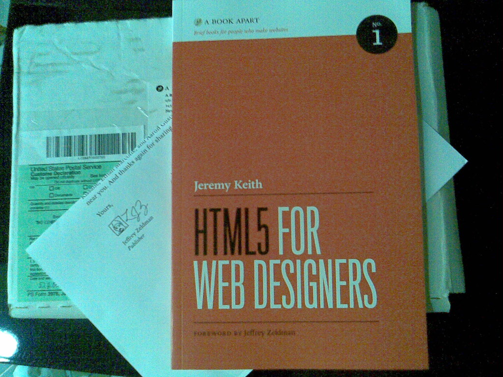 "<a href=""http://books.alistapart.com/product/html5-for-web-designers"">books.alistapart.com/product/html5-for-web-designers</a>"