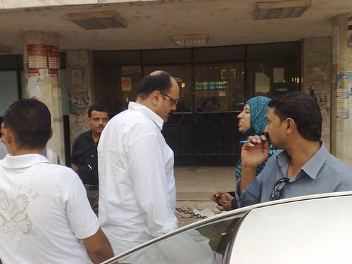 الوقفة التضامنيه مع محمد صلاح امام مستشفى الدولى التخصصى بالمنصوره24