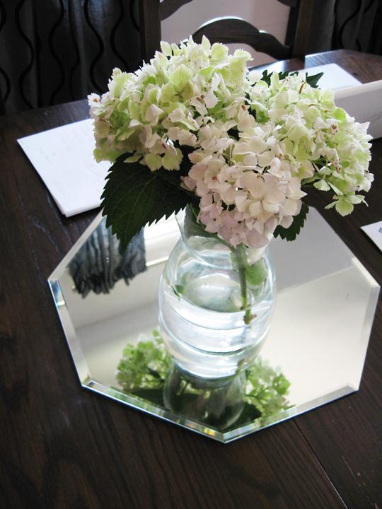 hydrangeas+glass vase+dining room