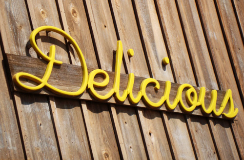 delicious-sign