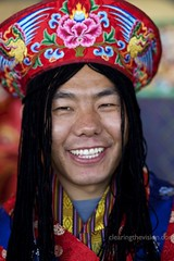 Smile from Bhutan (wycombiensian) Tags: newmexico santafe davidmoore ifam ef85mmf18usm folkartmarket clearingthevisioncom