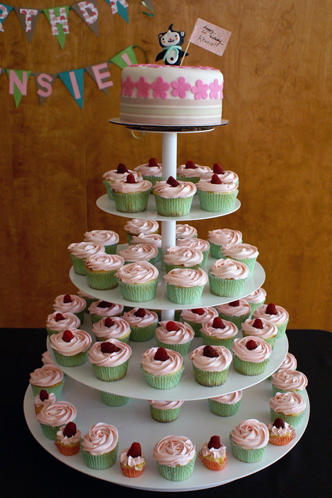 miga cupcake tower!