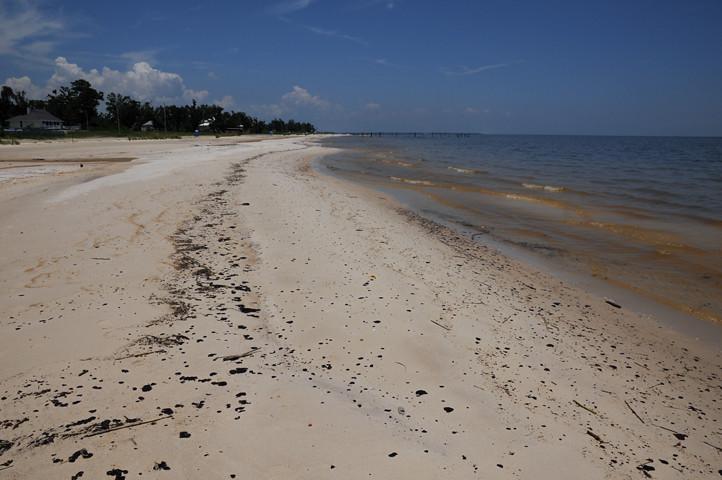 oil on the beach_7594 web
