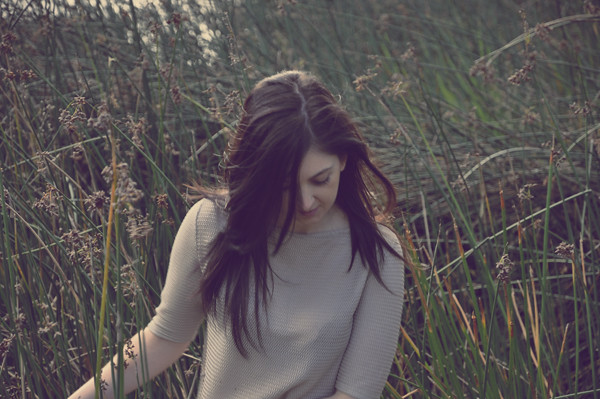 Simona_Reeds_Walking2
