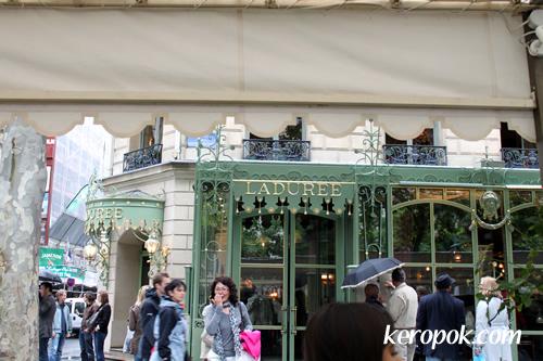 Ladurée @ Champs-Élysées