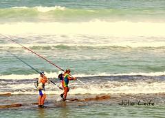 PESCADORES (Julio Leite) Tags: praia mar cabo julio pernambuco pescadores d90 gaibu duetos