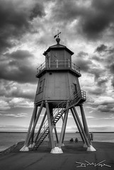 The Groyne Lighthouse, South Shields (D.J. De La Vega) Tags: leica lighthouse south groyne shields x1
