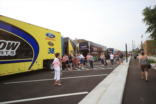 Fans take a look at the Haulers