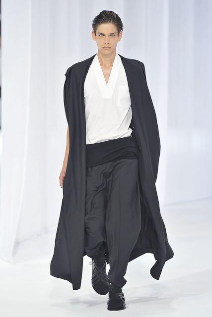 Ethan James3064_SS11_Paris_Dior Homme(VOGUEcom)
