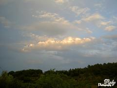 "Seule avec les nuages ... Alone with the clouds ... Alleen met de wolken ...  وحيدة مع السّحب (Roly 12.08 ... on/of ...) Tags: pink blue sky green rose clouds groen blauw alone july wolken roos vert bleu ciel juli 1001nights juillet dimageg600 hemel seule roly 2010 alleen konicaminolta rolande flickrdiamond concordians ""viewsfroma"" rubyphotographer naturenuages"