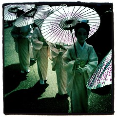 (Masahiro Makino) Tags: girls woman apple festival japan female umbrella japanese kyoto snap parade   kimono gion matsuri 3gs iphone hanagasa   photoshopcommobile hipstamatic