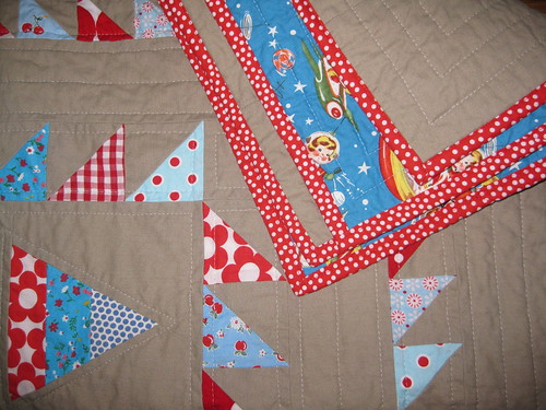 triangle babyquilt detail