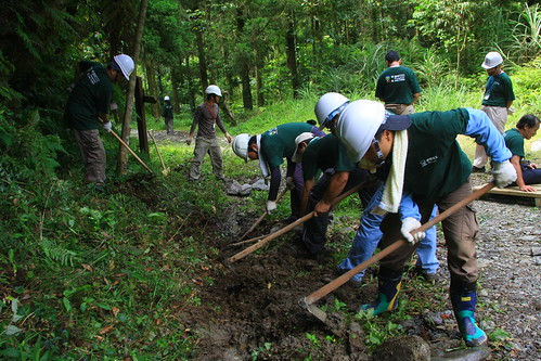 林務局局處長桶后步道工作假期-工作情形-2-20100723-賴鵬智攝