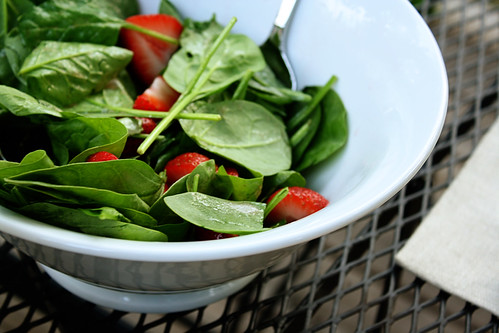 spinach & strawberry salad