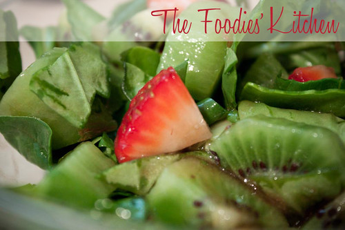 Kiwi, Strawberry and Spinach Salad