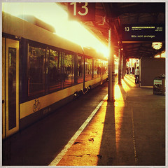 True love doesn't have a happy ending, because true love never ends. Letting go is one way of saying I love you. (www.juliadavilalampe.com) Tags: sun sol station train germany tren deutschland sundown platform bahnhof alemania 13 puesta sonne bahnsteig abendsonne anden regionalbahn