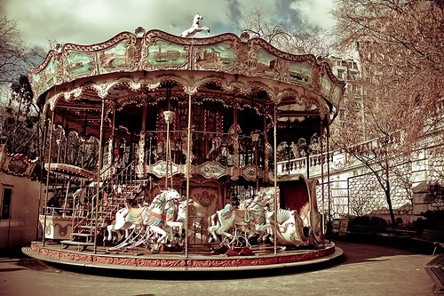 carousels_merry-go-round_01