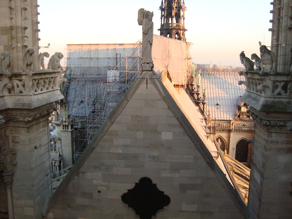 7da2e9384906 I tetti di Notre Dame De Paris (AliceGlitter) Tags  christmas snow paris  shopping