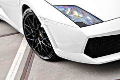 Lamborghini Gallardo LP560-4 Spyder (Thomas van Rooij) Tags: lighting street city light italy sun sunlight white hot color detail dutch car weather closeup contrast photography design spider cool italian rotterdam nikon open power shot angle thomas milano great engine style sunny convertible automotive front led exotic headlight nikkor rim rims lamborghini luxury supercar vr lambourghini v10 ahoy gallardo sportscar 2010 cabriolet lamborgini 18105 carbonfibre lightweight d90 hessing 52l rooij maartenmemorial lp5604 lamborghinigallardolp5604spyder lp5604spyder thomasvanrooij longitudinaleposteriore maartenmemorial2010