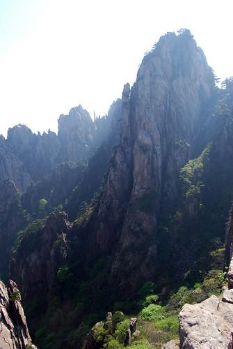 l23 - Stalagmite Peak Valley