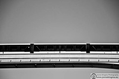 Monorail (Just a guy who likes to take pictures) Tags: voyage door city travel las vegas windows people urban bw en usa white black green window public monochrome lines silhouette modern america train tren mono us und reisen doors metro fenster united nevada transport silhouettes fast rail zug line nv tur ramen transit stadt infrastructure rails vs states van mass amerika zwart wit weiss schwarz stad staten trein lv raam silhouet deur metropole zw reizen ov vervoer deuren verenigde openbaar infrastructuur public transport suistanible monoraol